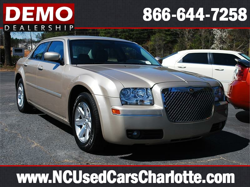 2006 CHRYSLER 300 TOURING for sale by dealer