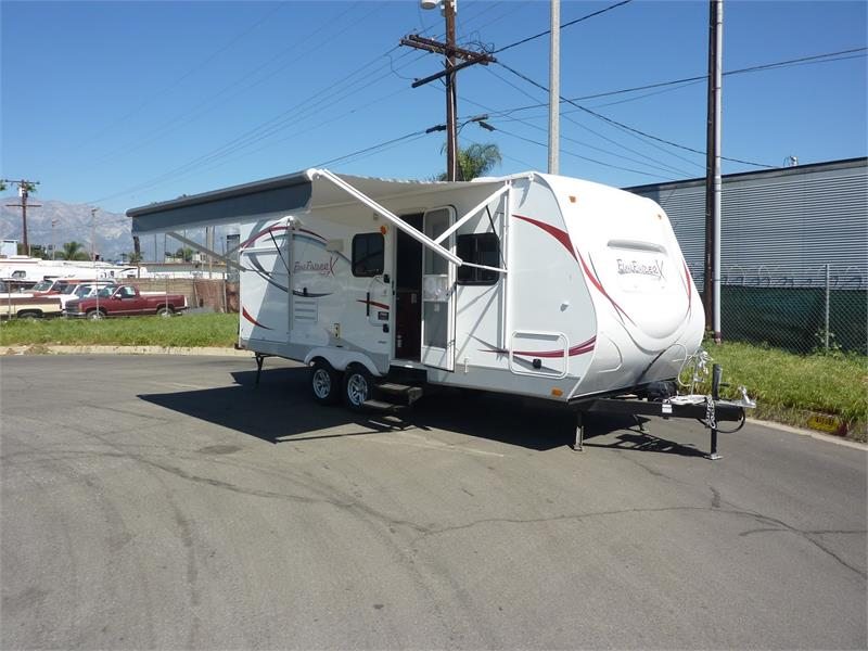 2015 BRAND NEW FUNFINDER X215WSK for sale by dealer